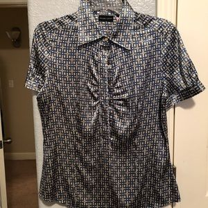 New York and Company Blouse shortsleeved button up